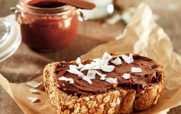 Teffbrood met zelfgemaakte nutella