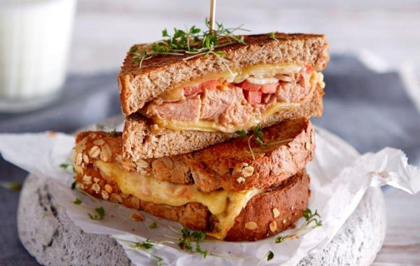 Teffbrood Tuna Melt tosti