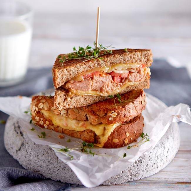 Teffbrood Tuna Melt tosti